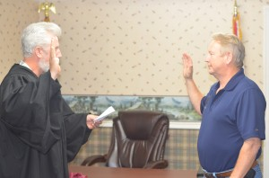 "Walter Lee ""Buddy"" Money sworn in as interim Liberty County Sheriff"
