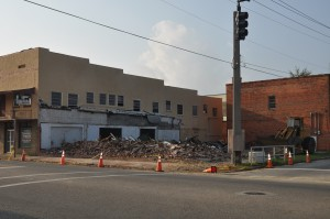 Pelt's building demolished